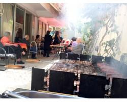 ΓΗΡΟΚΟΜΕΙΟ ΓΛΥΦΑΔΑ - BBQ στην αυλή μας! Μάιος 2017
